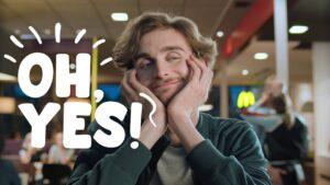 McDonald's Deutschland Werbung Werbewirkung nonverbal ohne Worte Gespräch dialog kreativ